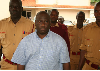 Kazinda-at-court