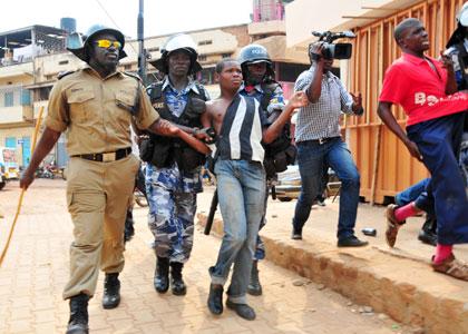 Police-arrest-taxi-guys