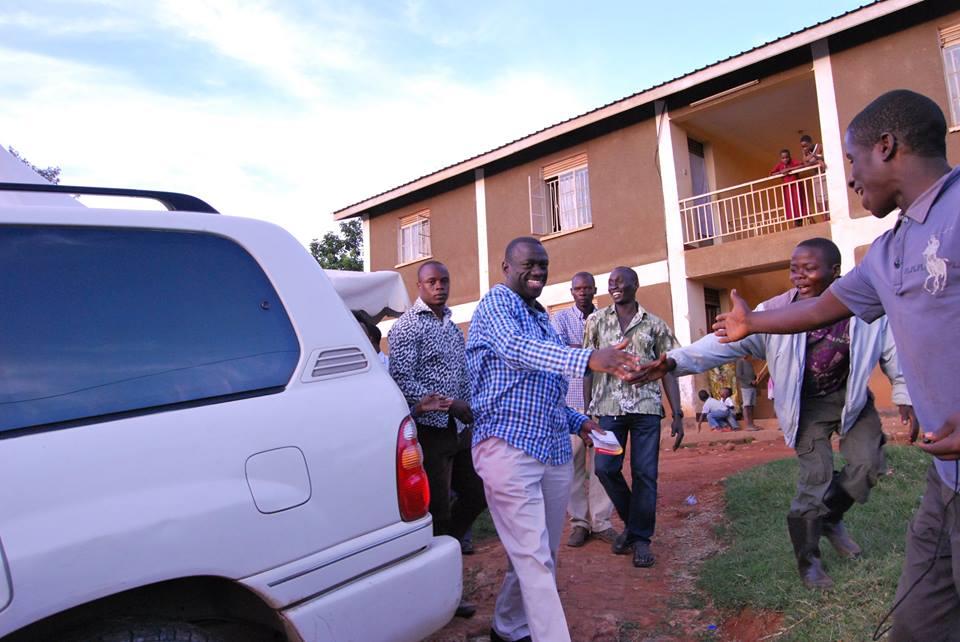 Besigye greats them