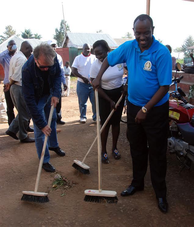 Dr Sezibera at Nakiwogo Market