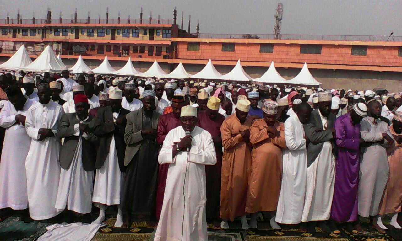 Muslims having their prayers at Nakivubo Blue Primary School Photo By: Alex Sagala
