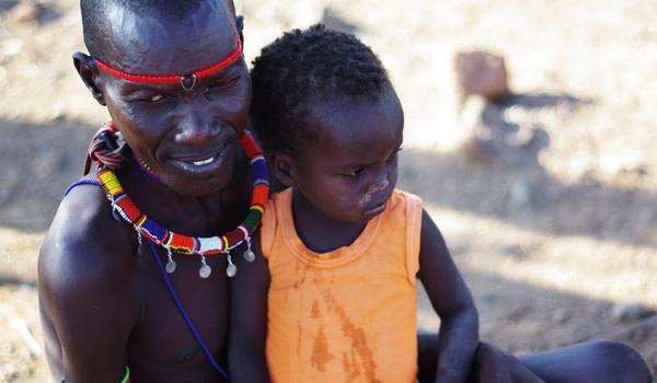 Father and son in Pokot, Kenya. Photo by: Photo: flickr/ Xiaojun Deng