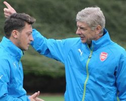 Arsene Wenger won't sell Mesut Ozil or Alexis Sanchez even if they refuse to sign new contracts