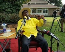 Museveni tells MUK to phase out irrelevant courses