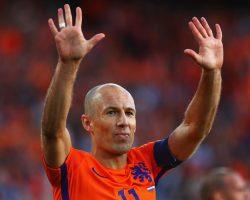 Arjen Robben retires from international football