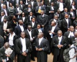 State prosecutors resume strike over low pay